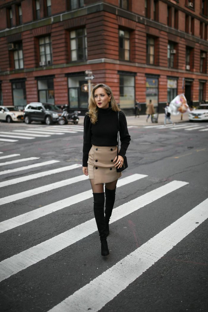 2018 Mini Skirts And Turtlenecks Outfit Ideas (17)
