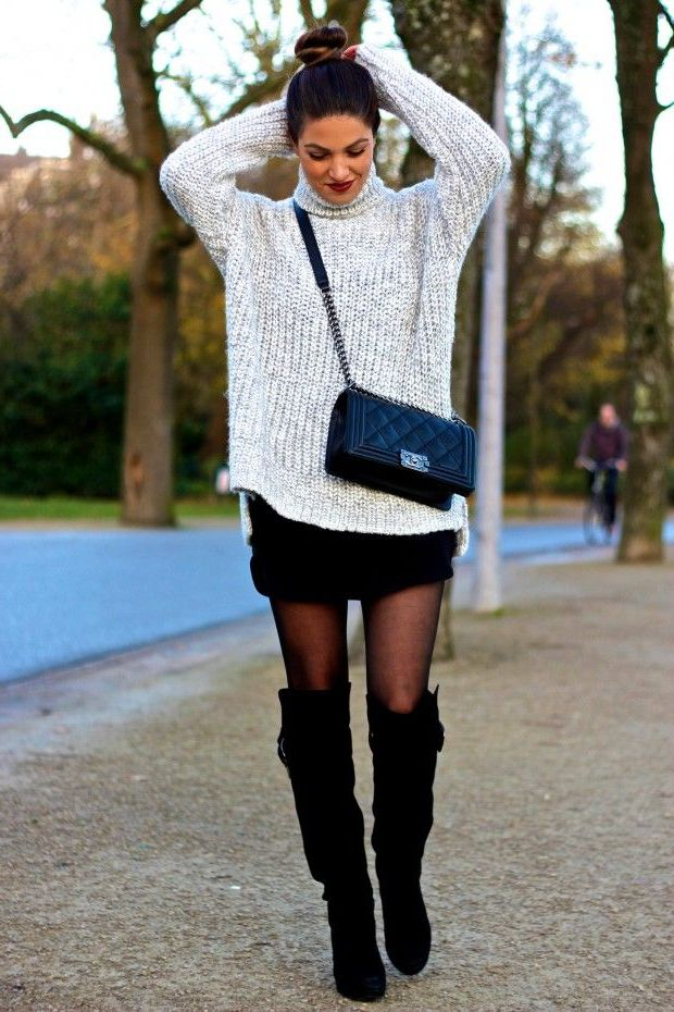 2018 Mini Skirts And Turtlenecks Outfit Ideas (19)