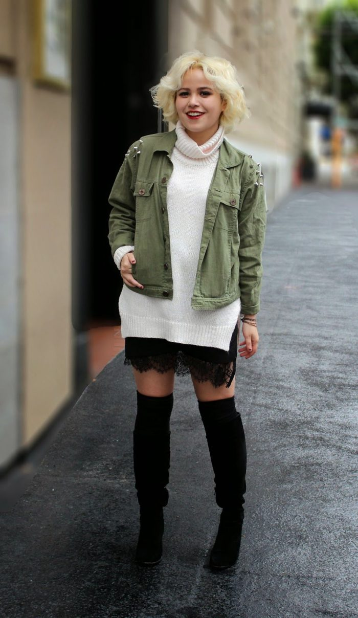 2018 Mini Skirts And Turtlenecks Outfit Ideas (20)