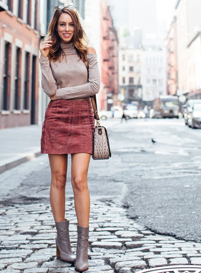 2018 Mini Skirts And Turtlenecks Outfit Ideas (26)