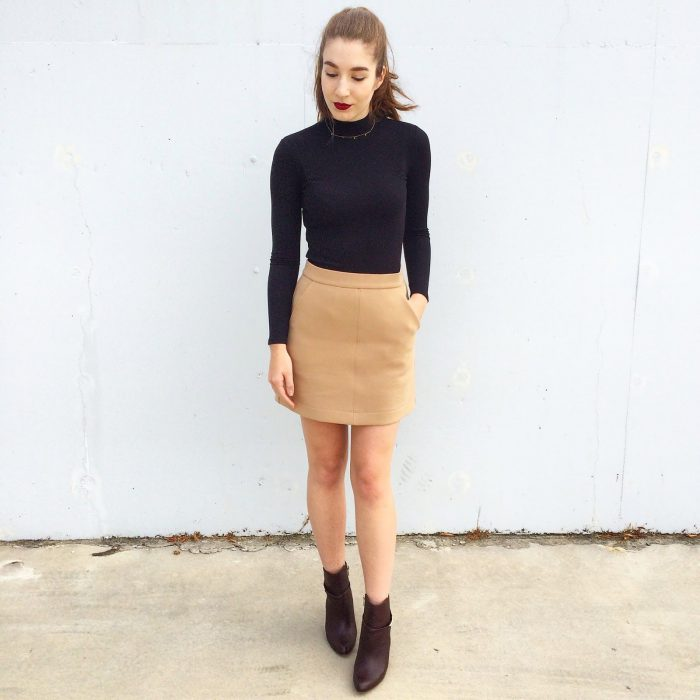 2018 Mini Skirts And Turtlenecks Outfit Ideas (35)