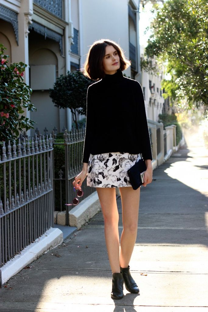2018 Mini Skirts And Turtlenecks Outfit Ideas (9)