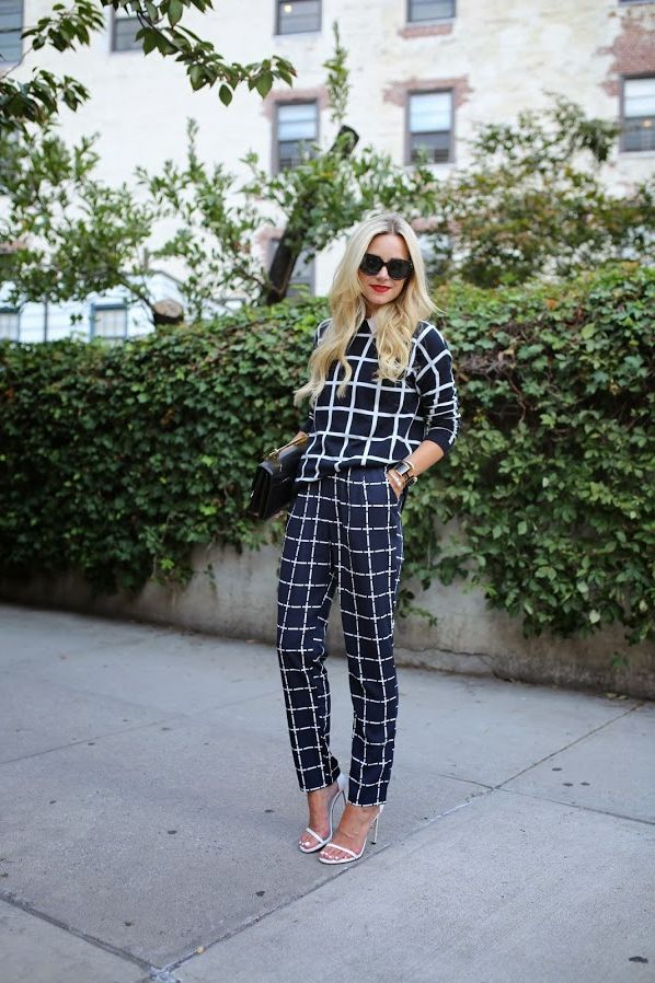 How Women Should Mix Prints and Patterns 2021