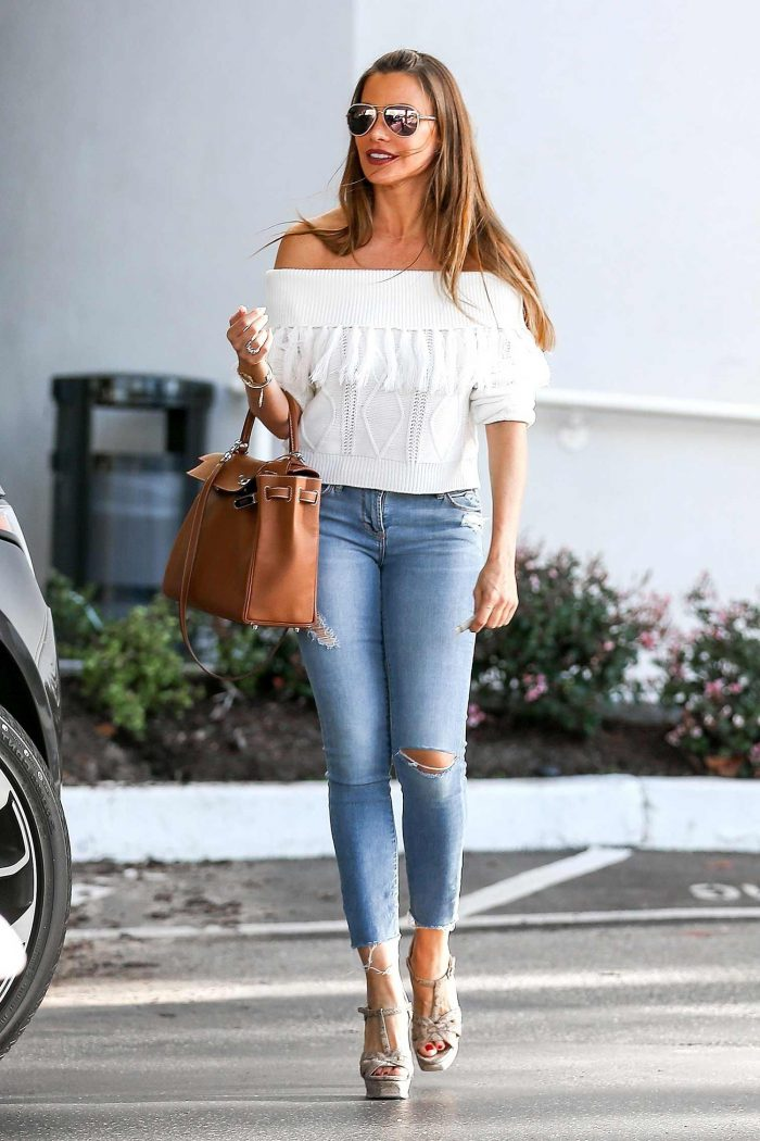 69dda66b Best Ways to Style Skinny Jeans 2019 - FashionMakesTrends.com