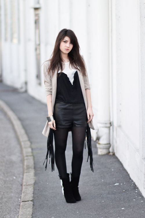 Stylish Ways To Wear Tights 2019