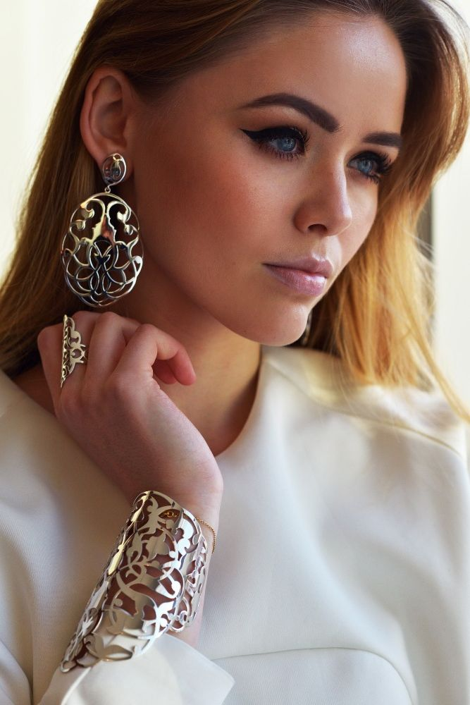 How to Create Layered Jewelry Looks 2021