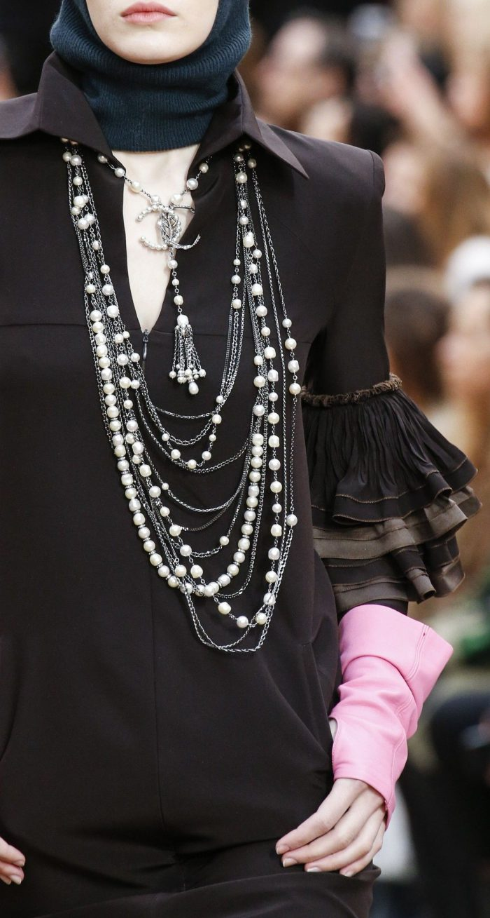 How to Wear Pearls Jewelry 2020