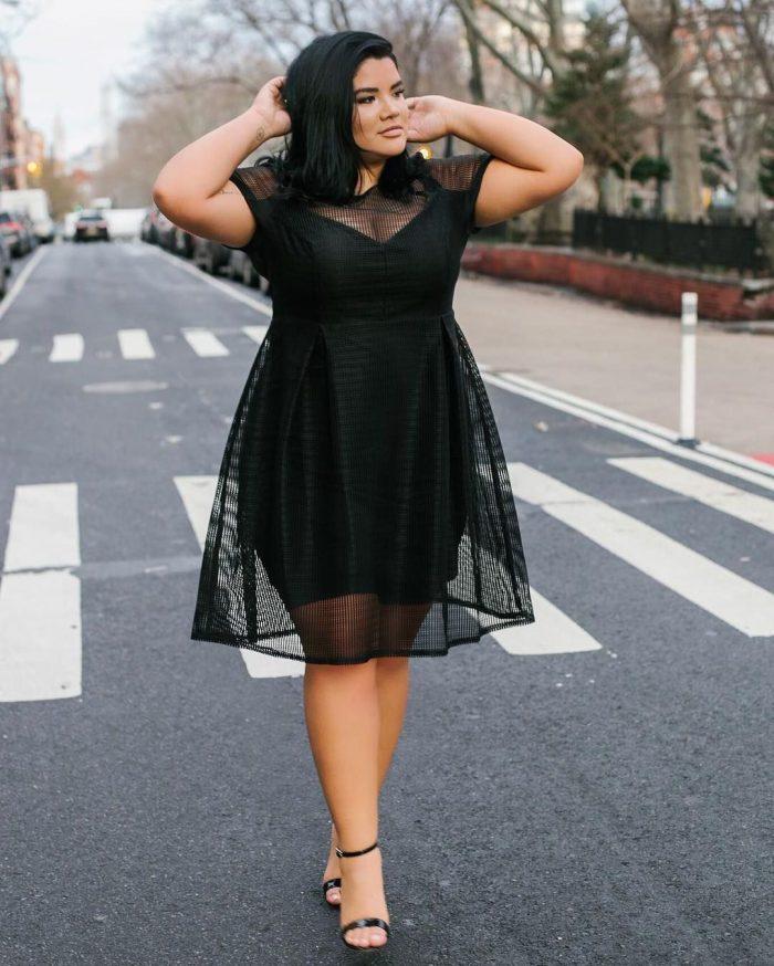 Black Dresses for Plus Size Women 2019 - FashionMakesTrends.com