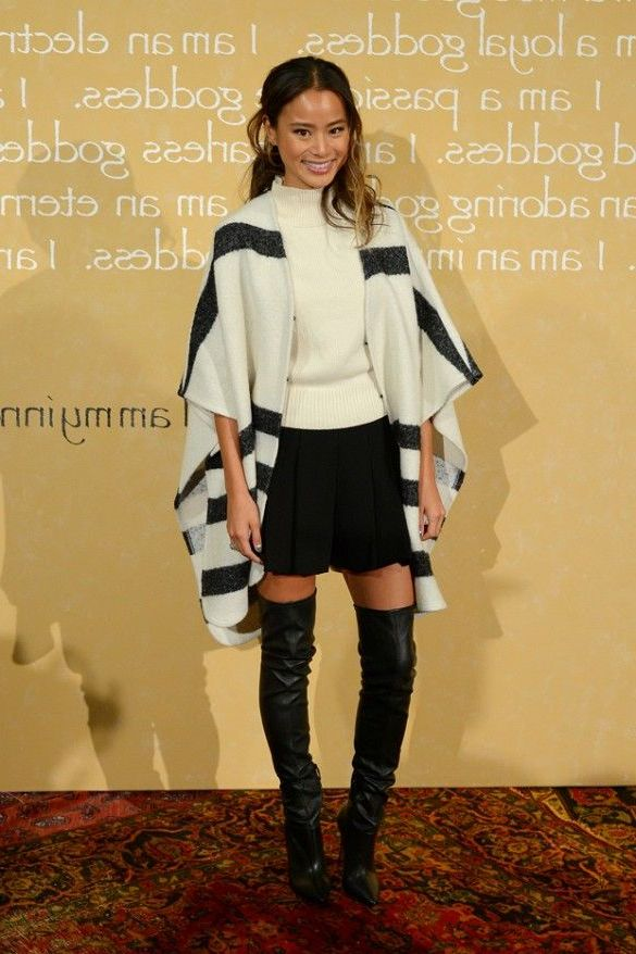 How to Wear a Miniskirts When It's Cold 2020