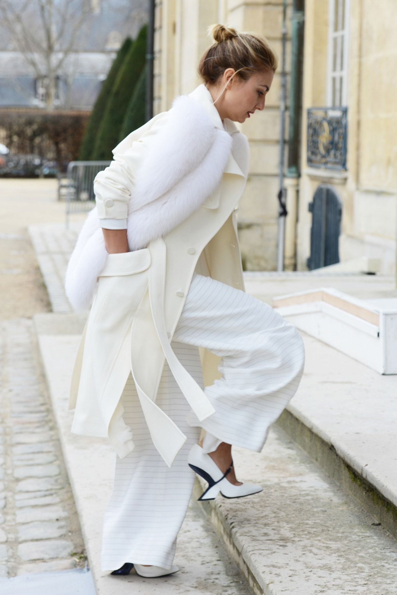 Easy And Beautiful Winter White Outfits To Wear 7