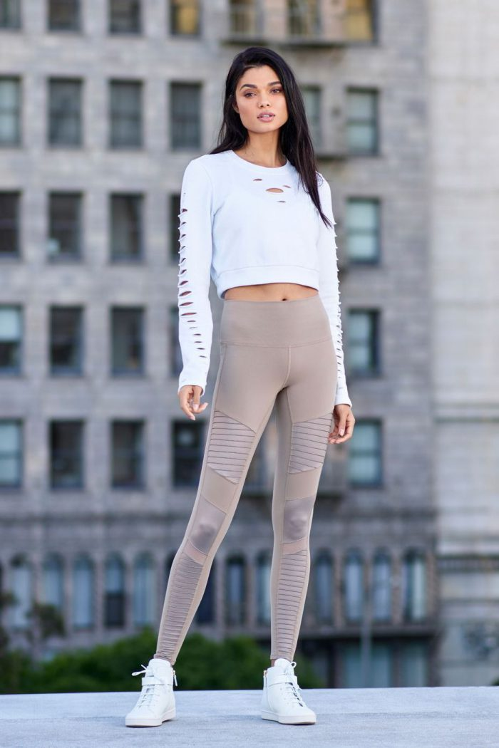 21 Ways to Make Leggings Look Chic 2020