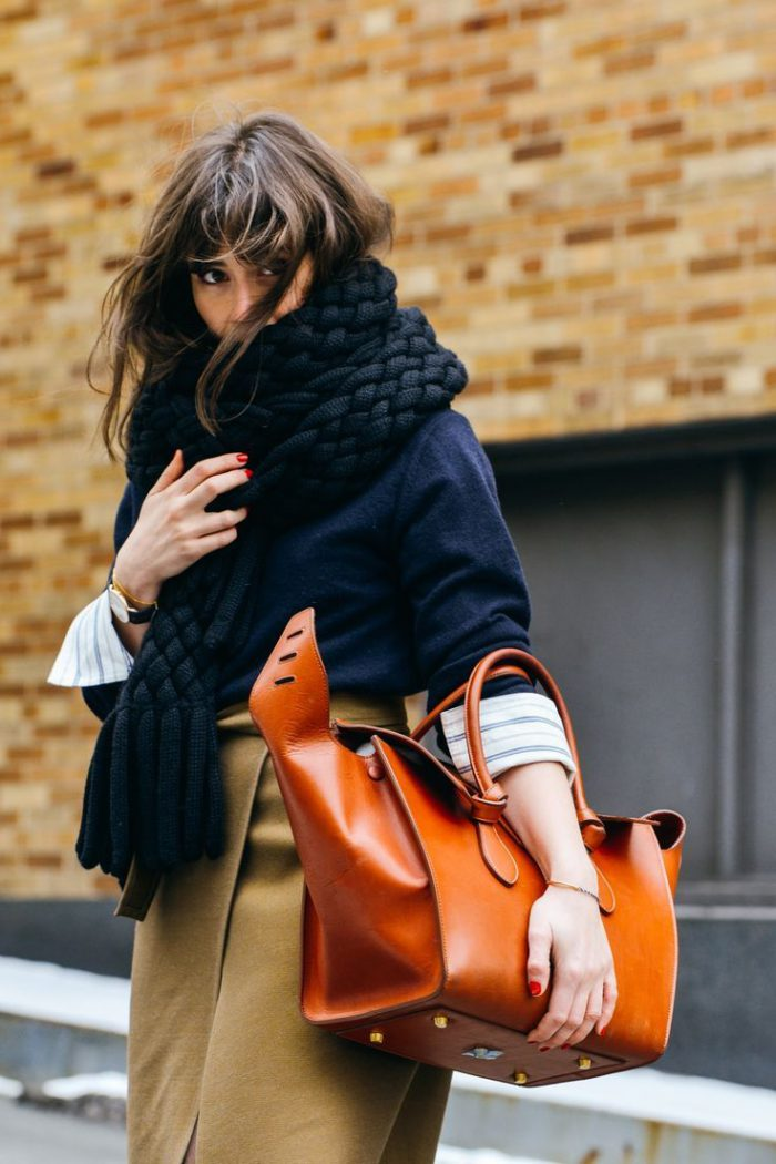 What Scarves Women Should Wear This Fall 2019