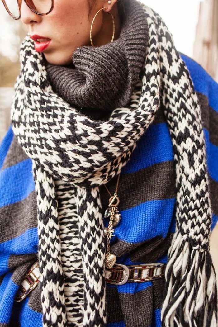 What Scarves Women Should Wear This Fall 2020