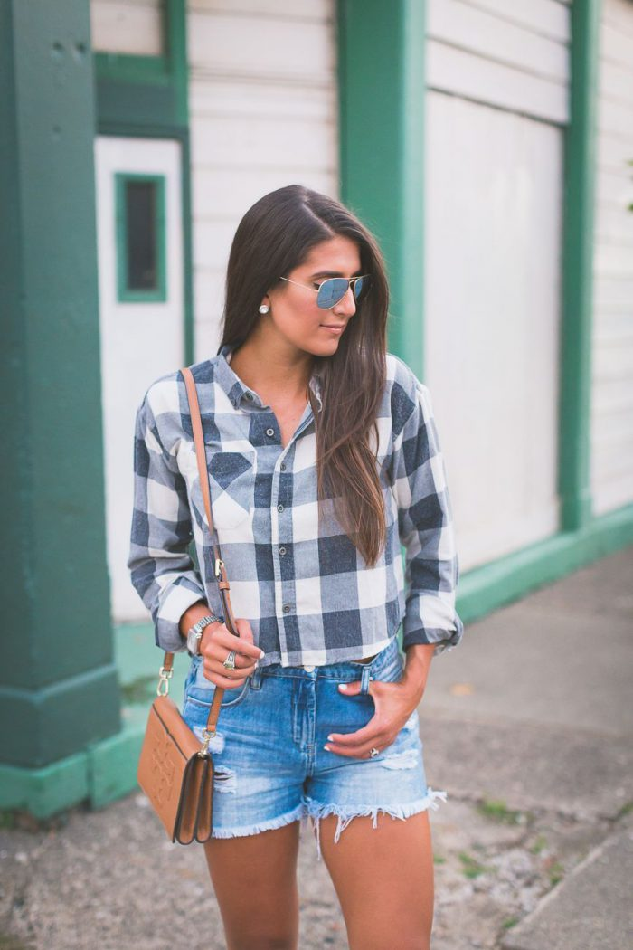 Plaid Shirts For Women Simple Street Style Looks (11)