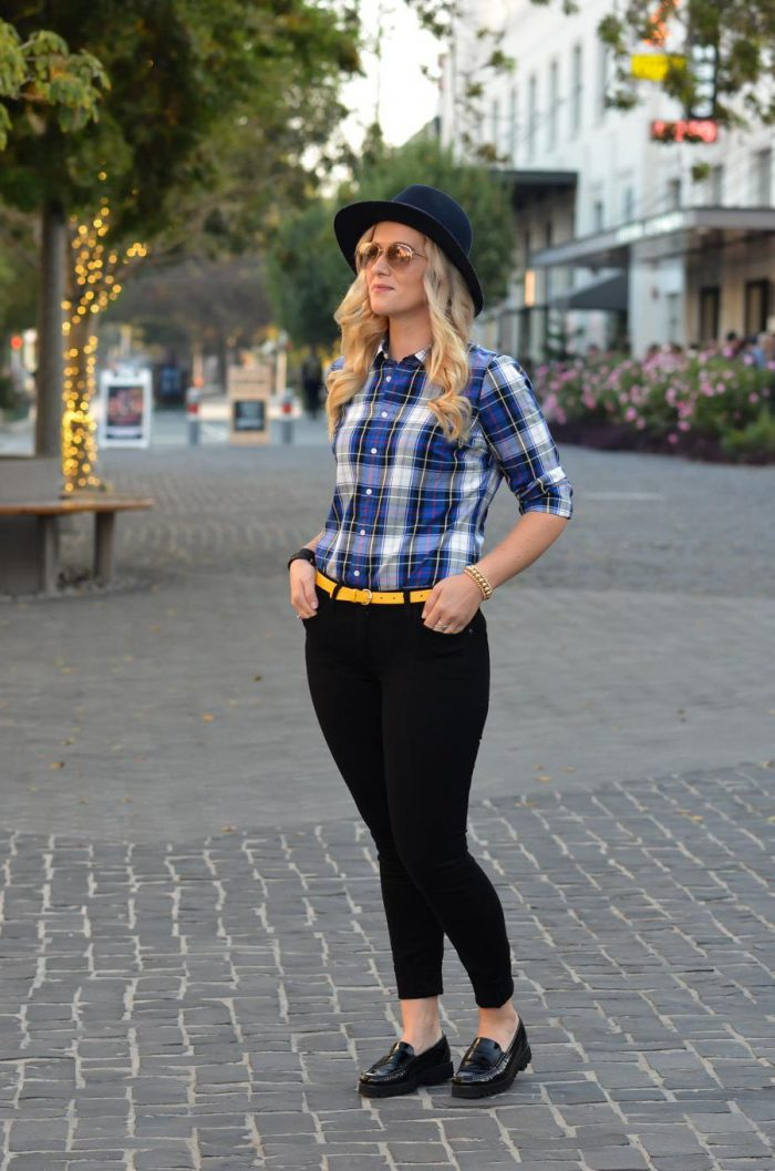Plaid Shirts For Women Simple Street Style Looks (12)