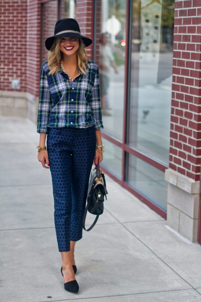 Plaid Shirts For Women Simple Street Style Looks (15)