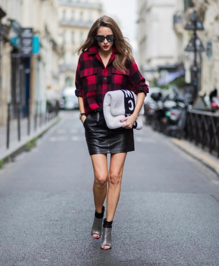 Plaid Shirts For Women Simple Street Style Looks (21)