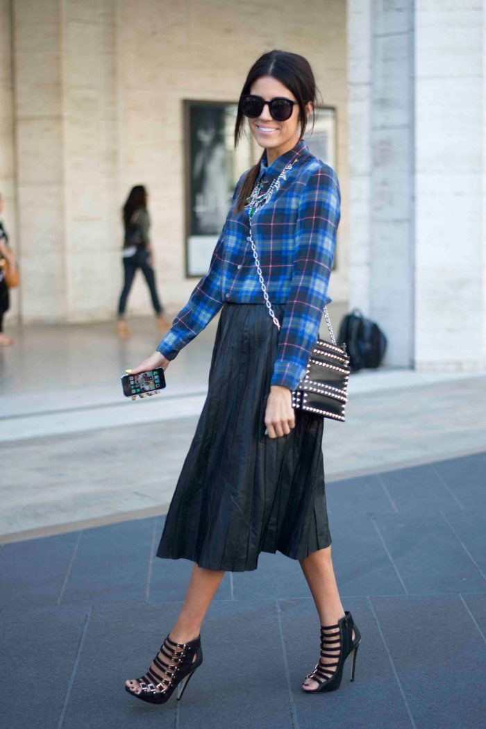 Plaid Shirts For Women Simple Street Style Looks (9)