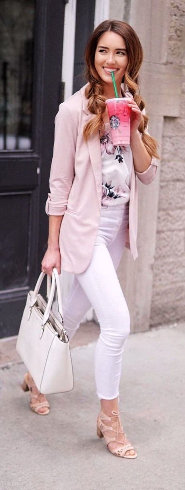 Women White Pants Street Style Looks 2021 - FashionMakesTrends.com