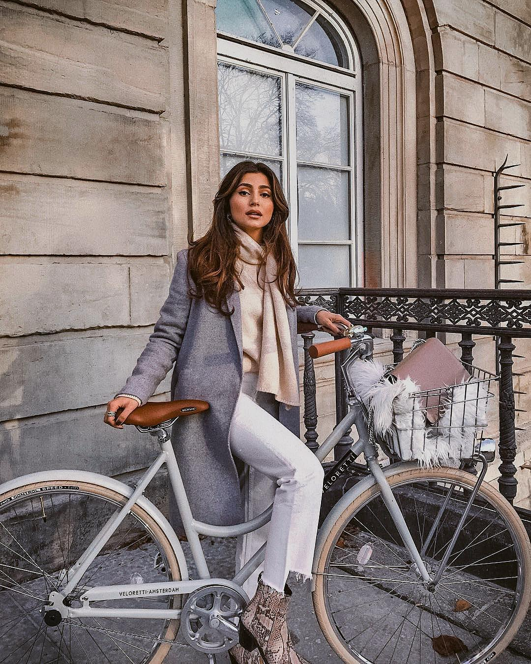 What To Wear During Fall Bicycle Rides To Look Dressy 2020