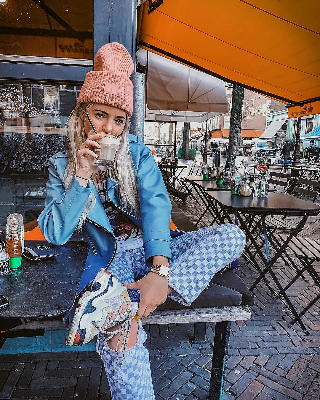 Ugly Sneakers With Gingham Jeans, Printed Top, Blue Leather Jacket And Camel Beanie 2019