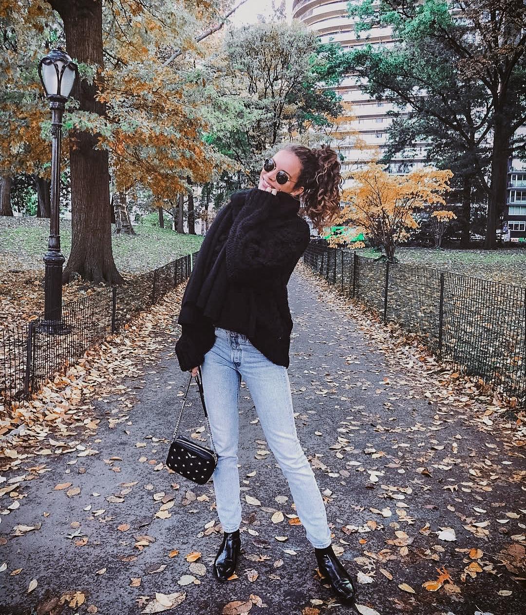 How To Wear Black Turtleneck Sweater In Oversized Fit 2019