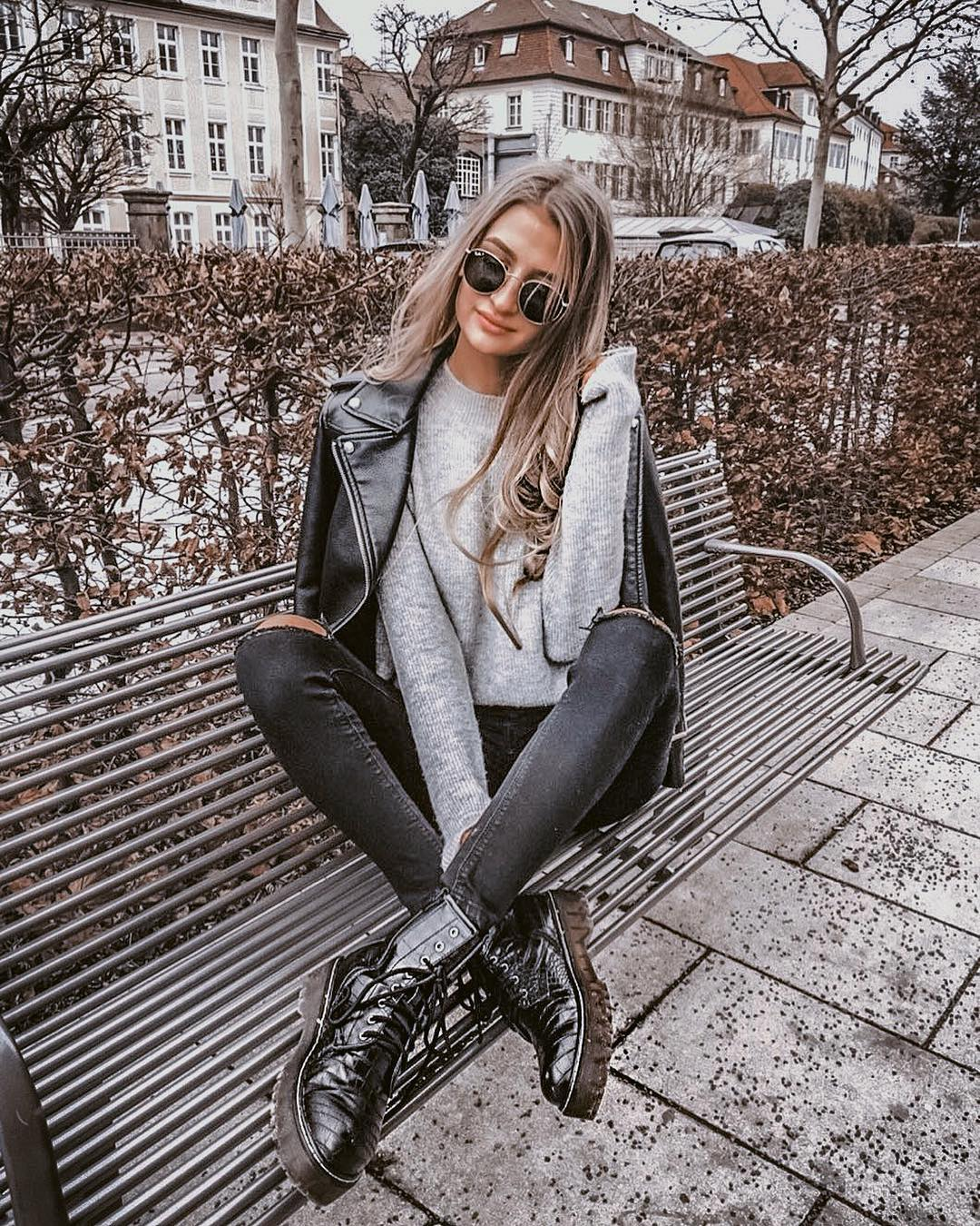 Modern Grunge Essentials: Black Leather Jacket And Knee Ripped Skinnies 2020