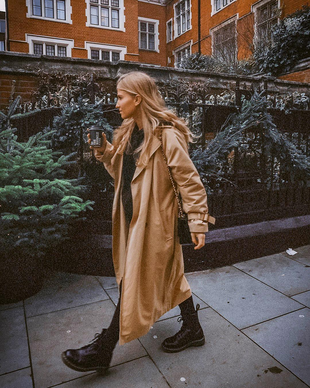 Long Camel Coat And Black Leather Combat Boots For Fall 2020