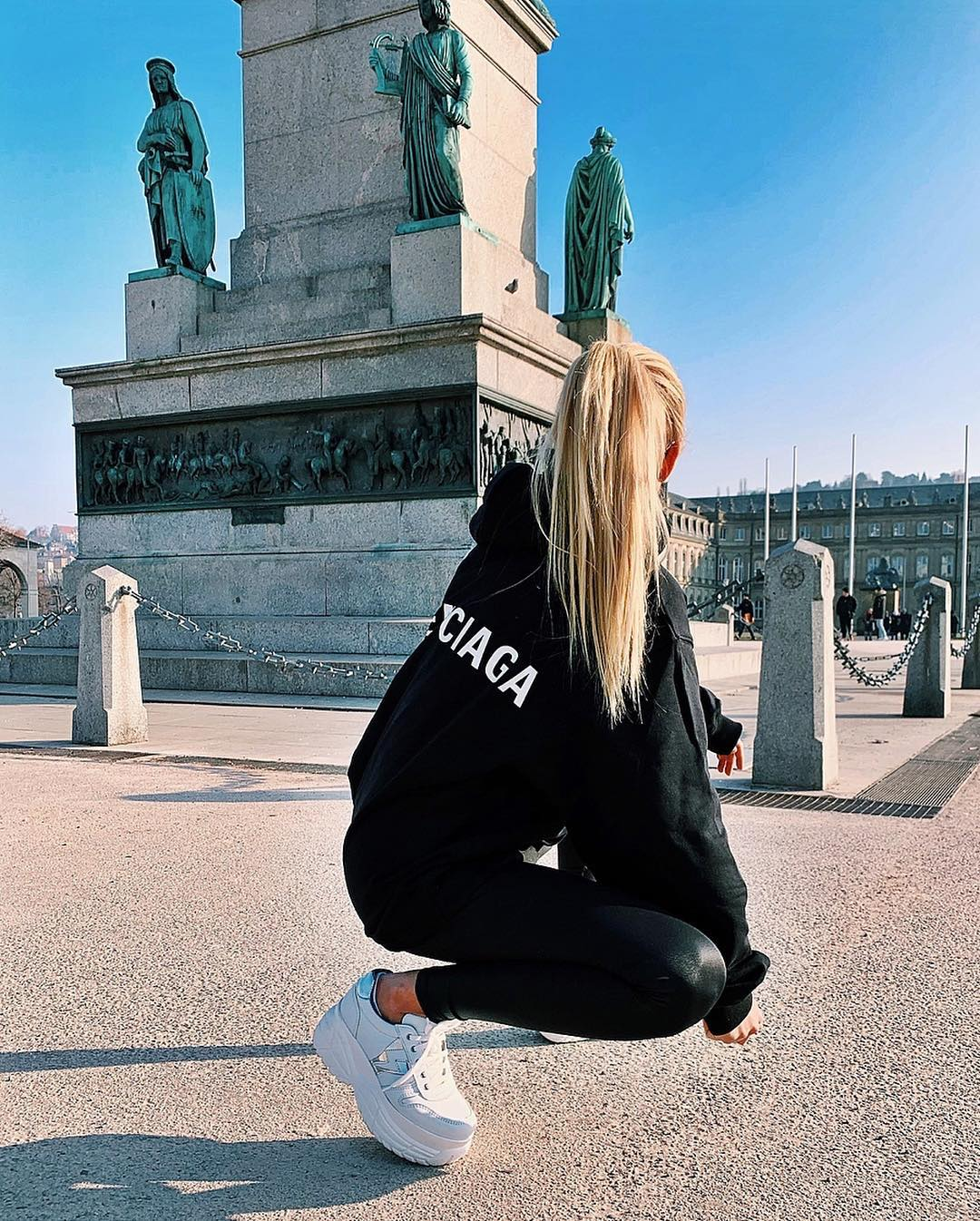 All Black Sporty Outfit With White Sneakers For Spring 2020