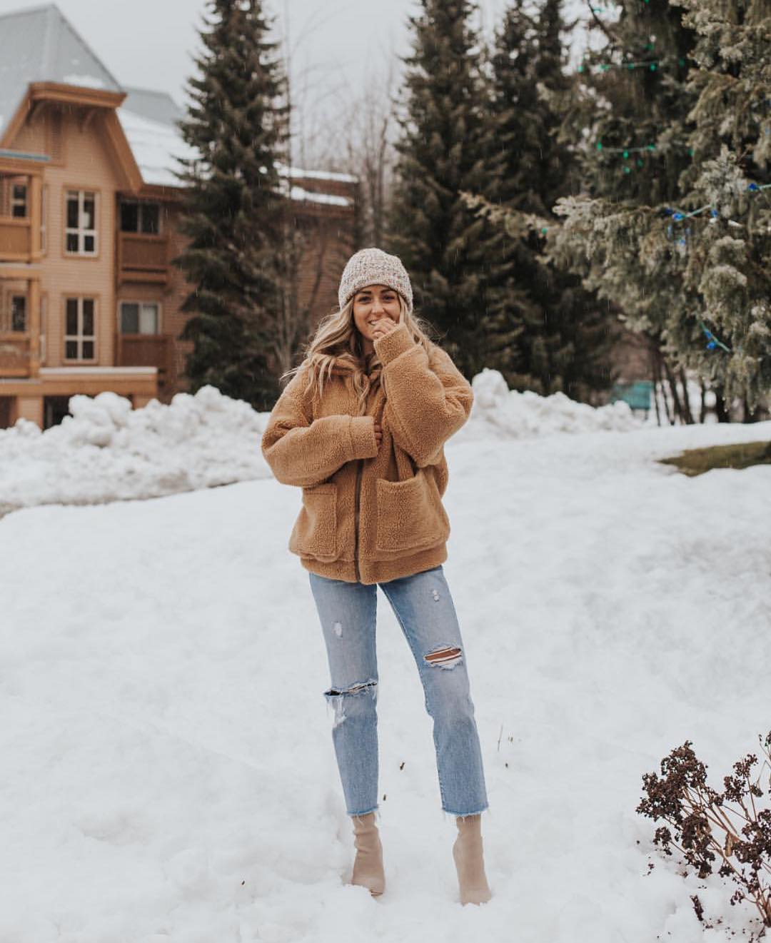 Winter Urban Holiday Essentials For Young Ladies 2020