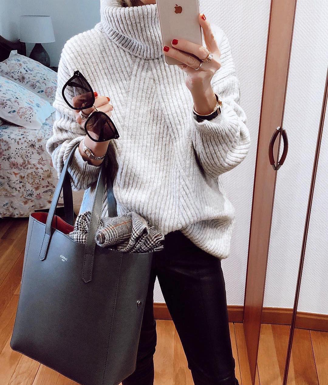 Ribbed Knit Sweater In White And Black Leather Pants For Fall 2019