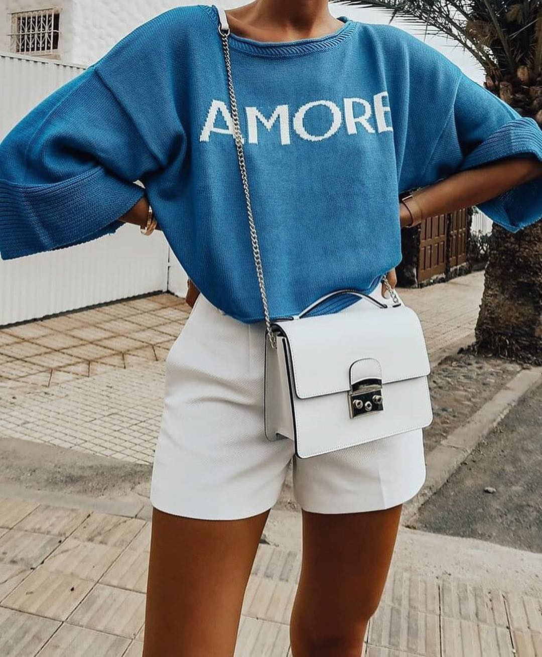 Oversized Blue Sweater And White Shorts For Spring Getaway 2020