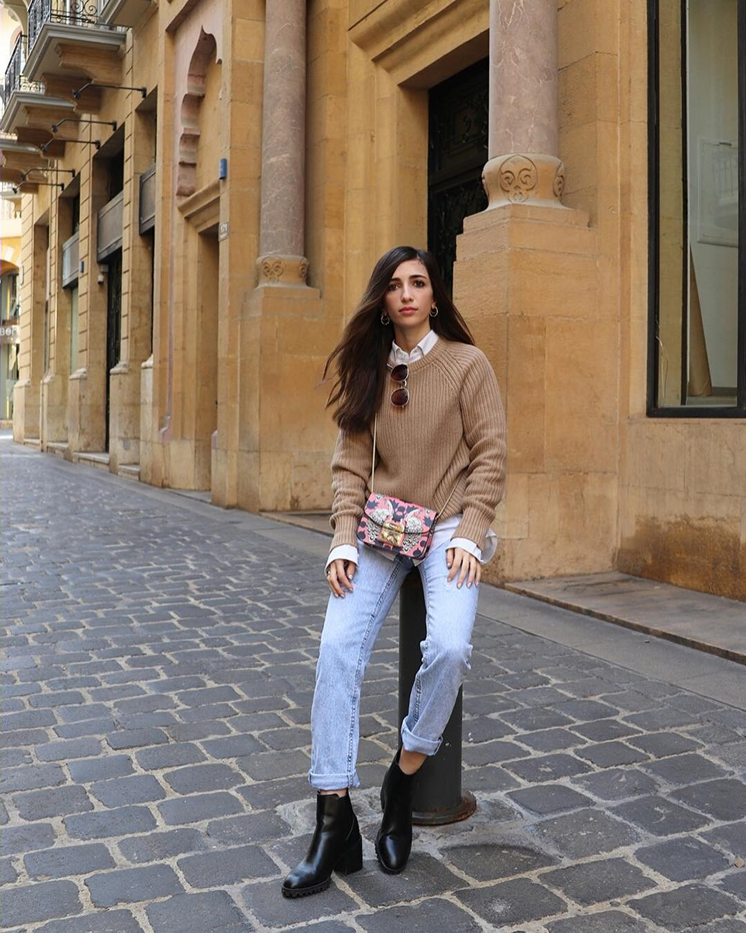 Beige Sweater, Cuffed Jeans And Black Leather Ankle Boots: Normcore Style For Fall 2019